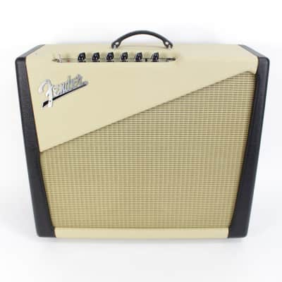 "Fender Two Tone Amp Custom Shop 15-Watt 1x12"" / 1x10"" Guitar Combo 2001 - 2003"