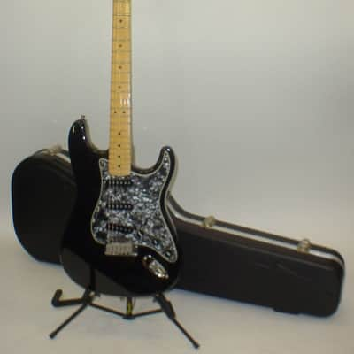 Fender 1995 American Standard Strat Electric Guitar w/ Original Case - Previously Owned