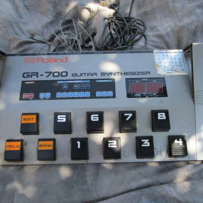 Roland GR-700  Guitar Synthesizer 1984