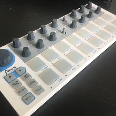 Arturia BeatStep USB/MIDI/CV Controller and Sequencer