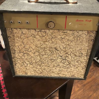 Custom Kraft Model 600 Amp 1960's Brown with cloth cover for sale