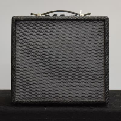 AXL AA-010-NL 10W Amp for sale