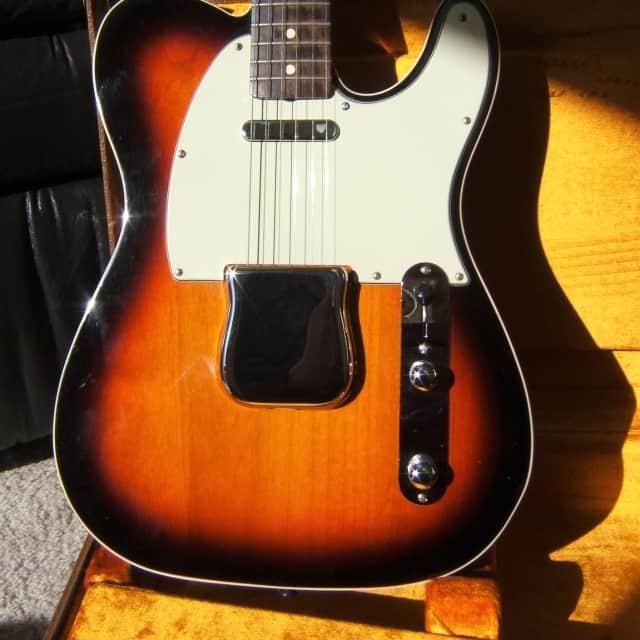 Fender American Vintage Reissue Custom '62 Telecaster 2012 3-Color Sunburst image