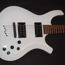 Parker PDF 35 White Electric Guitar Ghost Piezo System with Parker Gig Bag