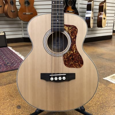 Guild Jumbo Junior Bass Westerly Collection Sitka/Maple Acoustic-Electric Short Scale Bass