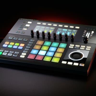 Native Instruments - Maschine Studio - Black