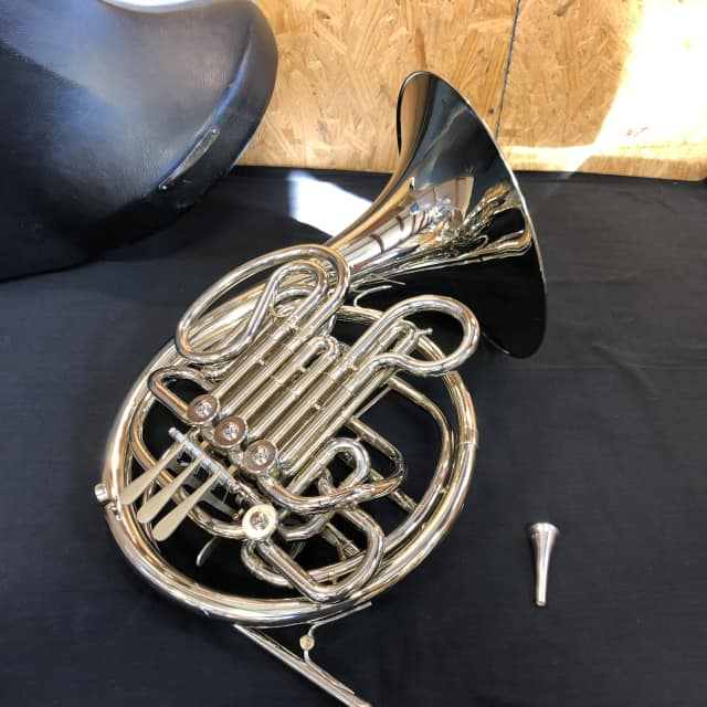 Holton H379 Double Horn image
