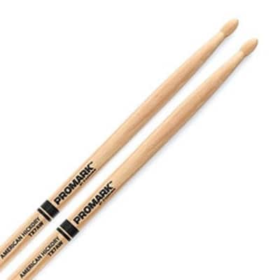 ProMark Classic Forward 7A Hickory Drumstick, Oval Wood Tip