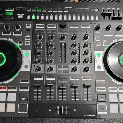 Roland DJ-808 DJ Controller Used - MINT Condition