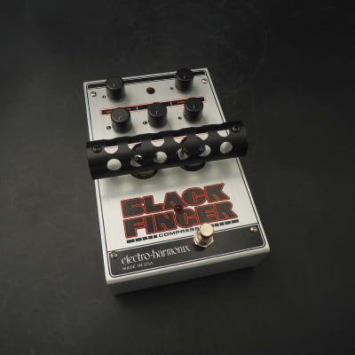 Electro-Harmonix Black Finger Optical Tube Compressor