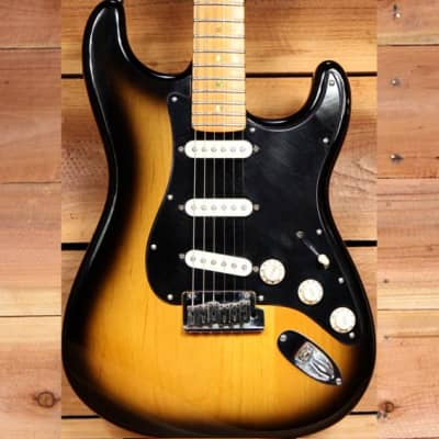 FENDER 2005 USA Deluxe Stratocaster SCN Noiseless Bill Lawrence PUs American Strat 60021 for sale