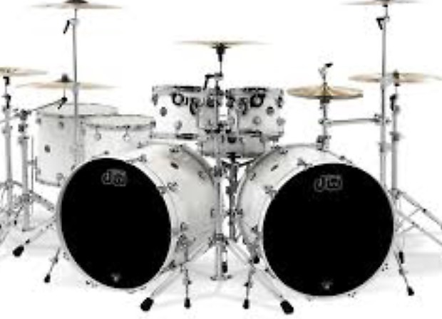 dw performance series double bass drum set white reverb. Black Bedroom Furniture Sets. Home Design Ideas