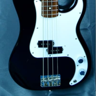 Fender Precision Bass Standard 2003 black japan import for sale