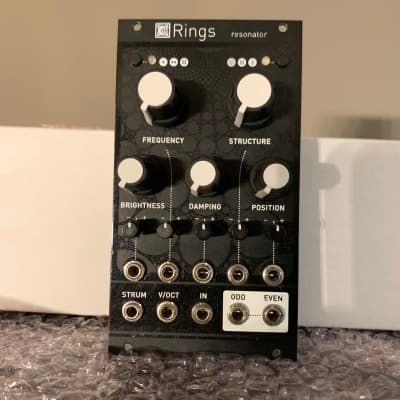 Mutable Instruments Rings + Magpie black panel