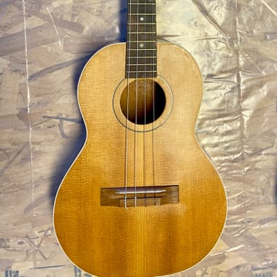 Airline (Regal) Baritone Ukulele 1960s Solid Mahogany with Spruce Top
