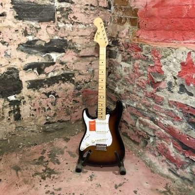 Fender MIJ Traditional '68 Stratocaster Left-Handed, 3-Color Sunburst for sale