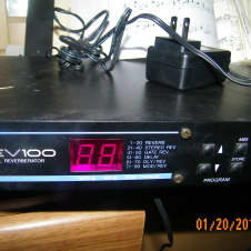 Yamaha Rev 100 Studio Digital Reverb 1990's Black