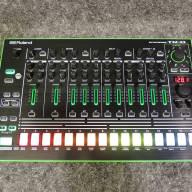 Roland AIRA TR-8 Rhythm Performer (Factory B-stock)