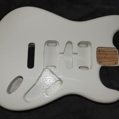 Mighty Mite MM2700AF-WHT Strat Swamp Ash Body White Thin Poly Finish NOS