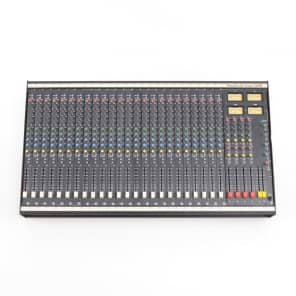 Soundcraft Series 200B 24-Channel 4-Bus Mixing Console