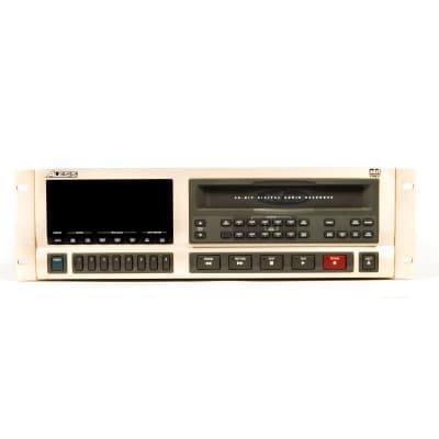 Alesis ADAT-XT20 Type II 20-Bit 8-Track Digital Audio Recorder