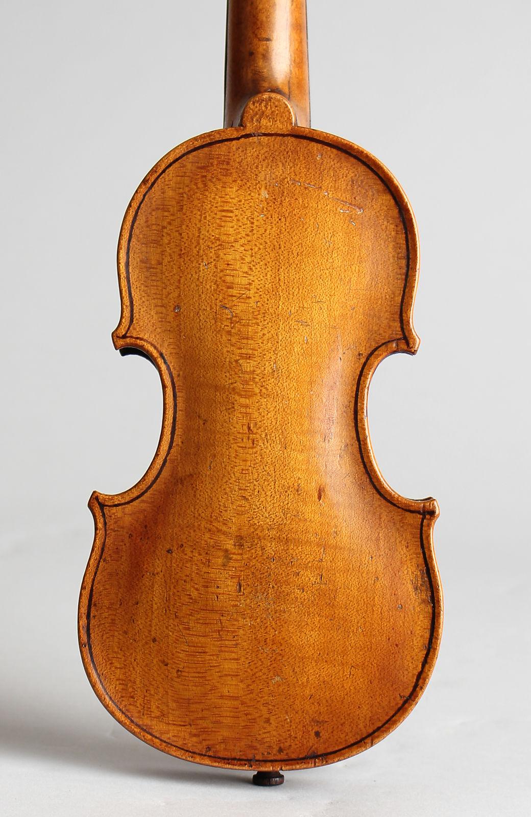 Pouchette Violin, molded plastic hard shell case.