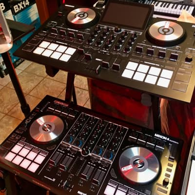 Reloop MIXON 4 DJ Controller for Serato DJ and Algoriddim djay Software