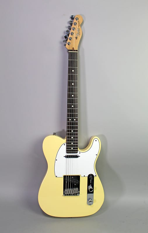 Have quickly American standard telecaster vintage white here