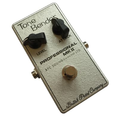 British Pedal Company Compact Series Tone Bender MKII Guitar Fuzz Effects Pedal