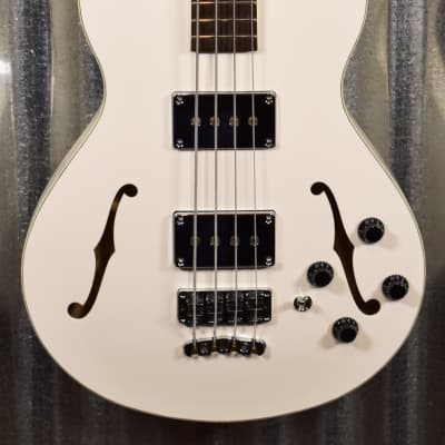 Warwick German Pro Series Star Bass Semi Hollow 4 String Cream & Bag #0319