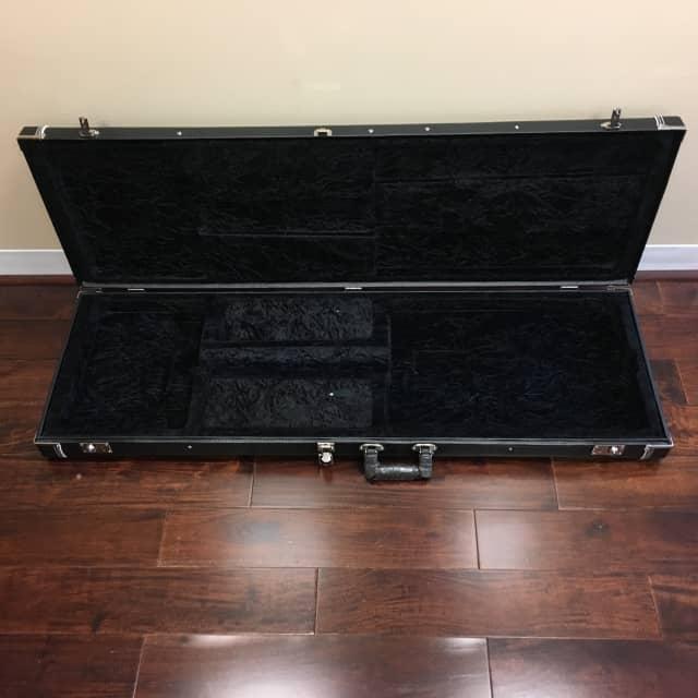 Hardshell Bass Guitar Case - B Stock (NVGB2, Kaces unbranded) image