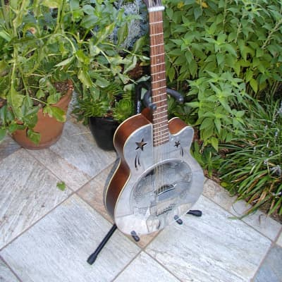 Liberty Single Resonator Cutaway w/ case for sale