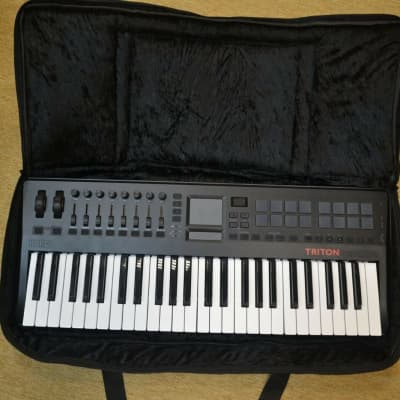 Custom padded travel bag soft case for KORG Microstation 61-key keyboard