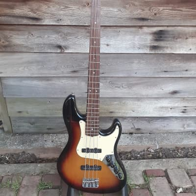 Fender  American Deluxe Jazz Bass 2005 Sunburst for sale