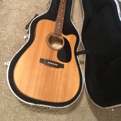 Great Divide SGD-52CE-G acoustic dreadnought cutaway guitar probably made in USA with excellent hard for sale