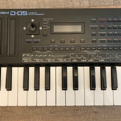 Roland D-05 Boutique Series Linear Synthesizer Module with K-25m Keyboard