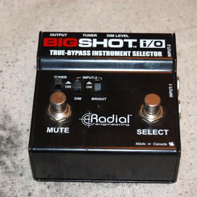 Radial Engineering BigShot i/O True-Bypass Instrument Selector Pedal big shot