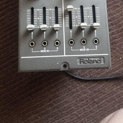 ROLAND System 100m 130 vca 1980s? Grey