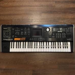Roland V-Synth GT 61-Key Elastic Audio Synthesizer