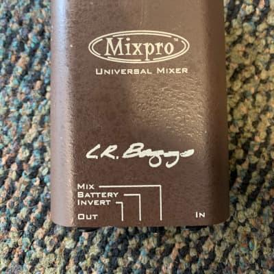 LR Baggs MixPro 2-Channel Belt Clip Preamp/EQ/Mixer