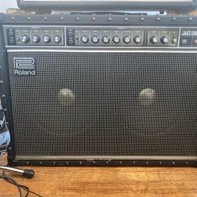 "Roland JC-120 Jazz Chorus 2-Channel 120-Watt 2x12"" Guitar Combo 1975 - 1993"