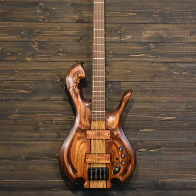 Kelvin Daly Musical Instruments Custom 4 string Bass 36