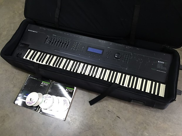Kurzweil K2500x 88 key weighted keyboard piano excellent with case and disks