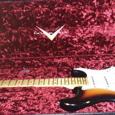 Fender Custom Shop Stratocaster  2018 Sunburst 1968 relic reissue like new all case candy!