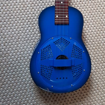 Ukulélé résonateur soprano Beltona the Blue Uke (2007) + housse souple for sale