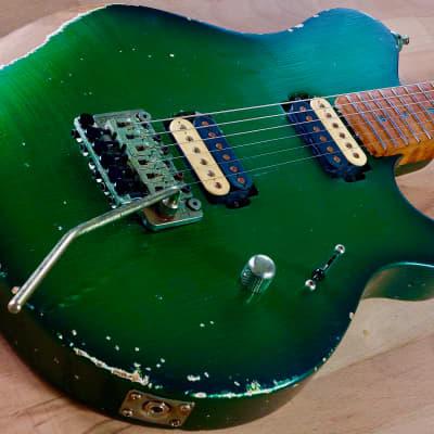 """S71 VH Musicman Tribute « Aged Candy-Green Burst », """"1-piece"""" Alder body,  3A Birdseye luthier neck"""