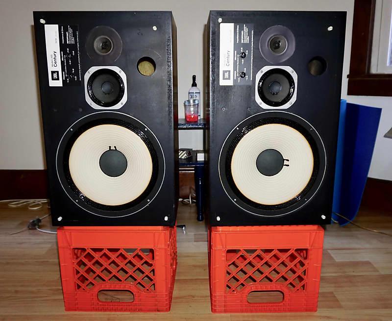 Vintage JBL L100 Century Speaker Pair fm 1970s Walnut