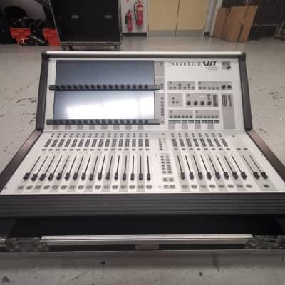 Soundcraft Vi1 digital mixing console CAT5