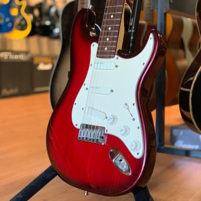Fender Strat Plus Deluxe Crimson Burst 1992 for sale