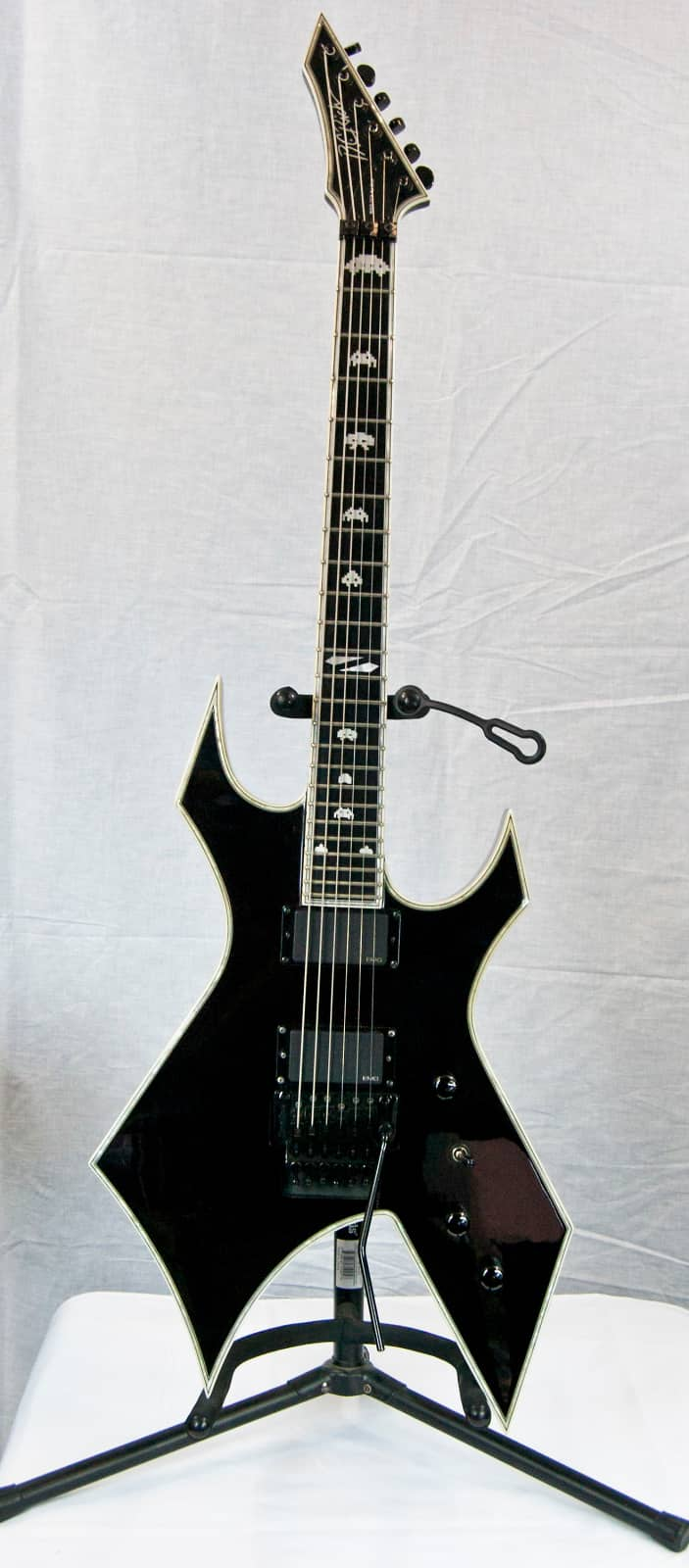 b c rich nj deluxe warlock electric guitar onyx w hard shell reverb. Black Bedroom Furniture Sets. Home Design Ideas